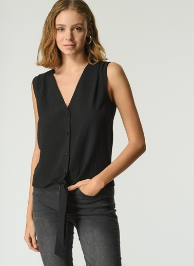 NGSTYLE Kadın Bağlama Detaylı Kolsuz Bluz NGKSS21BL0023 Siyah